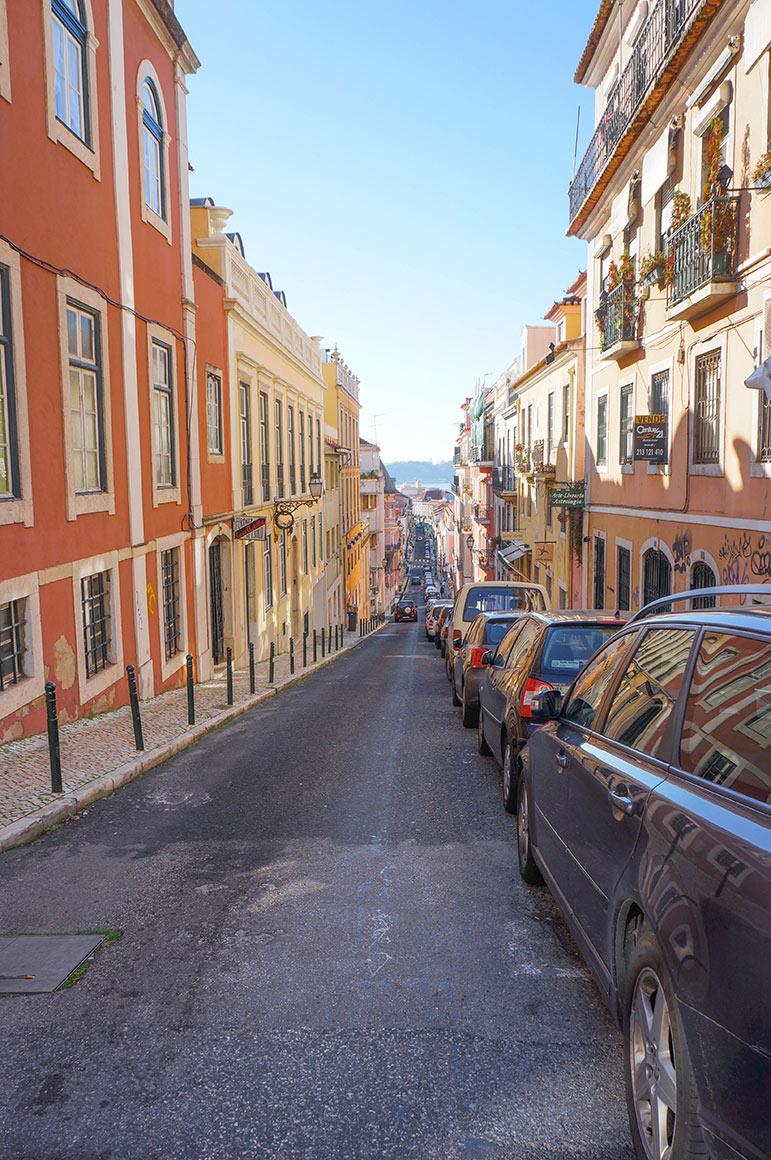 Les rues de Lisbonnes, pentues, bossues, charmantes
