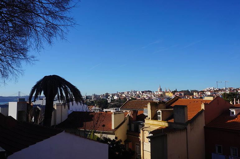 """Vue depuis l'un des nombreux """"Miradouros"""" de la ville"""