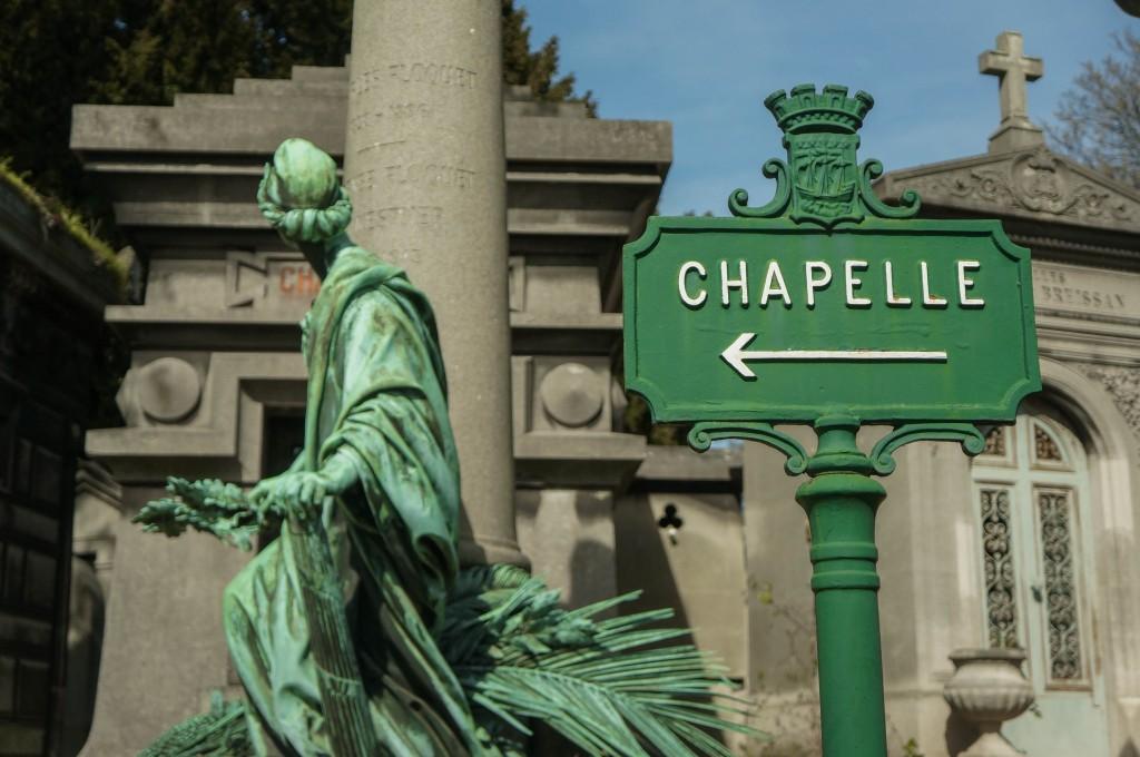Panneau direction la Chapelle